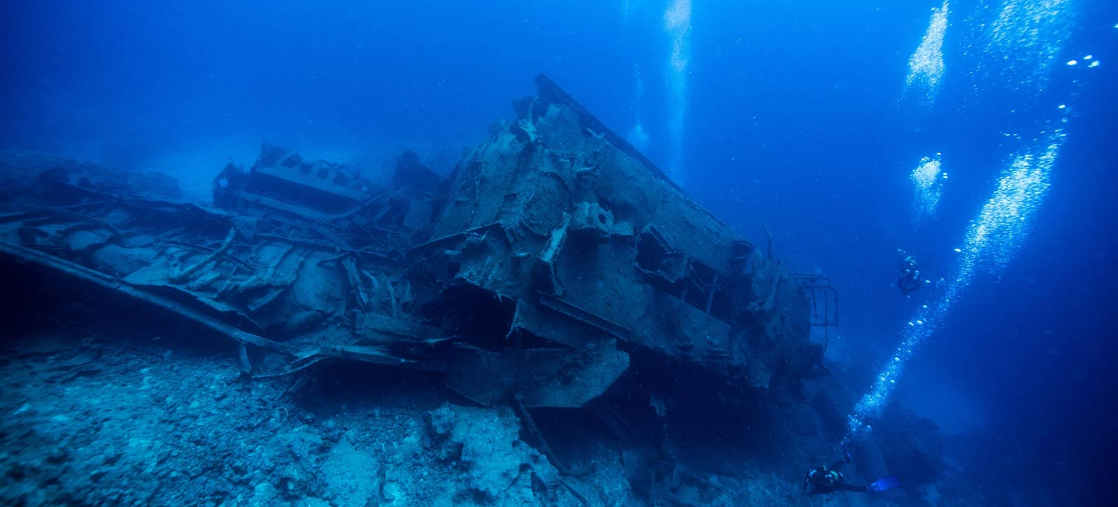 wreck diving coron philippines